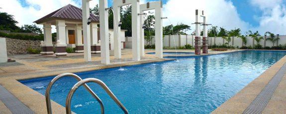 MetroGate Centara Tagaytay - Swimming Pool